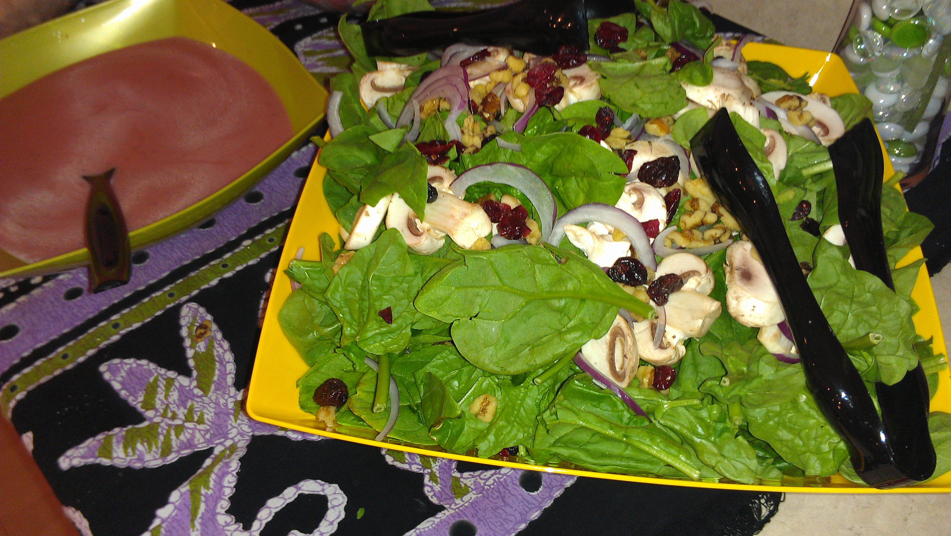 Spinach salad and strawberry vinaigrette pic